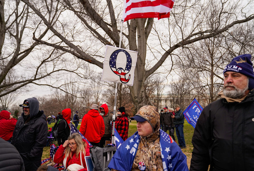 Zwolennicy QAnon w Waszyngtonie / Robert Nickelsberg /Getty Images