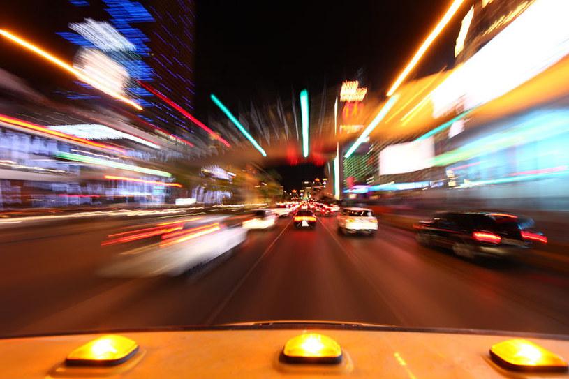 Zwolnienia i przyspieszenia czasu to triki naszego mózgu /123RF/PICSEL