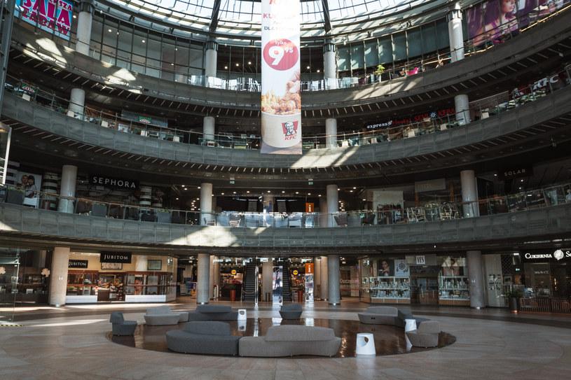 Zwolnienia z czynszów dla punktów handlowo-usługowych działających w dużych galeriach handlowych. Fot. Piotr Dziurman /Reporter