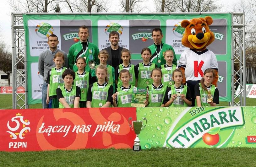 Zwycięska drużyna dziewcząt U-12 UKS Staszków Jelna (fot. K.Kraszewski) /Informacja prasowa
