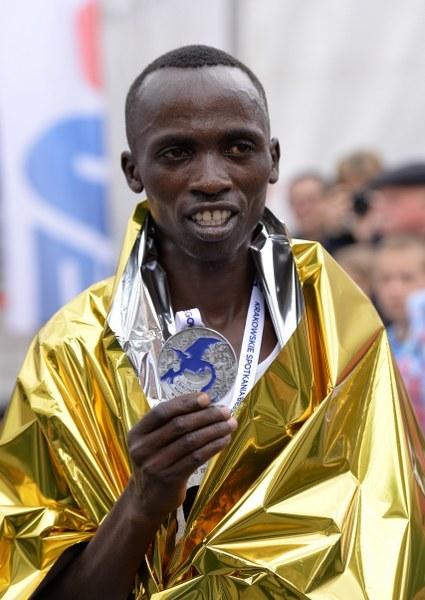 Zwycięzca Kenijczyk Edwin Kirui /Jacek Bednarczyk /PAP