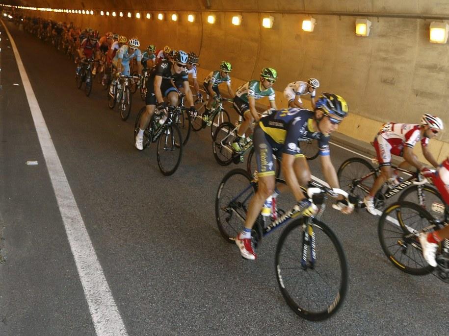 Zwycięzcę wyścigu poznamy w niedzielę na mecie 21. etapu w Madrycie /JAVIER LIZON /PAP/EPA