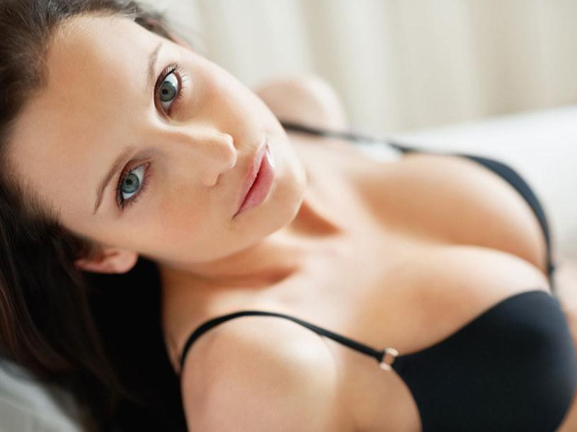 Zwykle marzymy o tym, żeby mieć większe piersi  /© Panthermedia