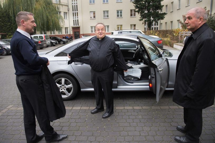 Zwykle ojciec-dyrektor jest wożony Audi A6 /Jacek Domiński /Reporter
