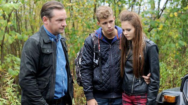 Zwykły spacer z chłopakiem (Mateusz Gąsiewski) i siostrzyczką zmieni się w rozpaczliwą walkę o przetrwanie. /Agencja W. Impact