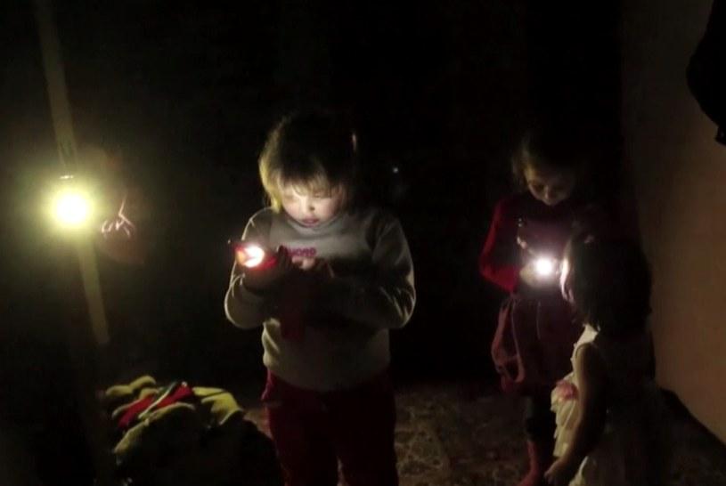Życie bez elektryczności stało się na Krymie codziennością /AP