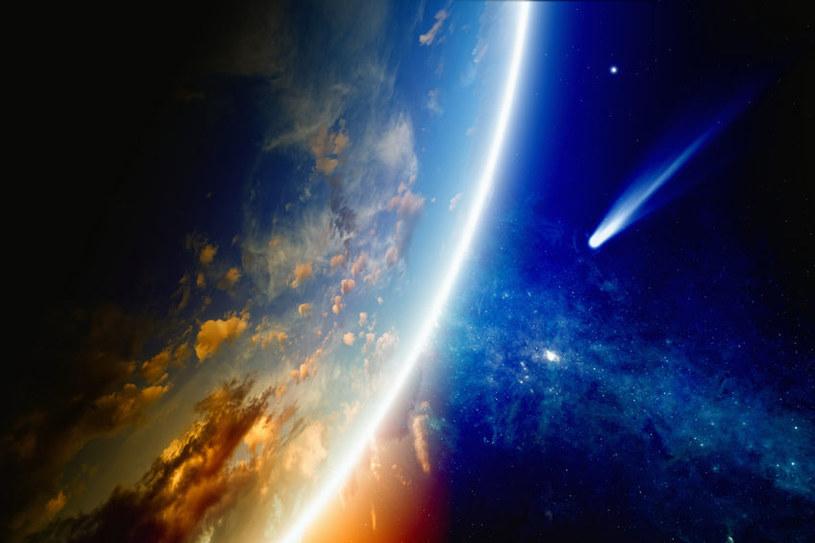 Życie na Ziemi powstało ze związków nieorganicznych przyniesionych przez komety /123RF/PICSEL