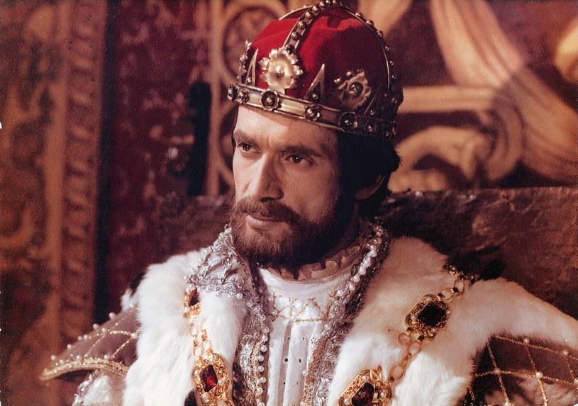 Zygmunt II August (Jerzy Zelnik) Ukochane dziecko królowej. To z nim wiązała wszelkie nadzieje polityczne. Ale on wybrał miłość i odsunął się od matki. /Bauer /AKPA