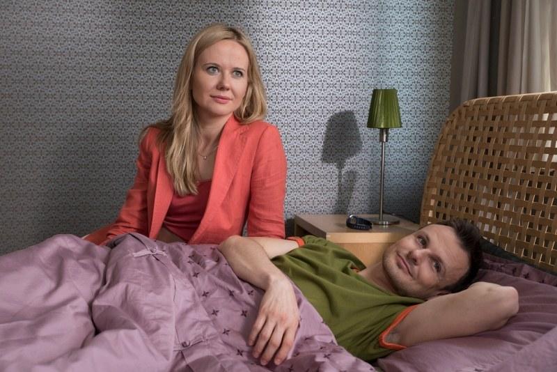 Zyta (Magdalena Stam) dowie się, że Sandra (Magdalena Górska) – podobnie jak ona – spodziewa się dziecka /Agencja W. Impact