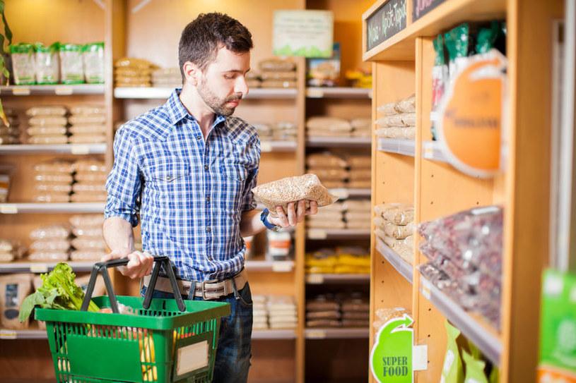 Żywność organiczna jest droższa od konwencjonalnej /123RF/PICSEL