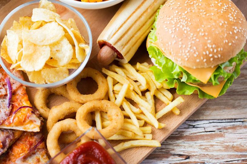 Żywność wysokoprzetworzona /©123RF/PICSEL