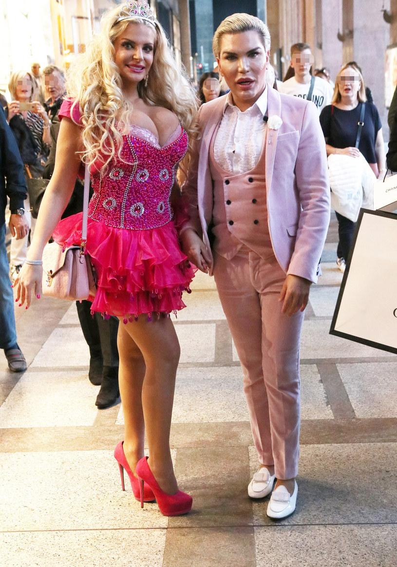 Żywy Ken i włoska Barbie /Accursio Lota / SplashNews.com /East News