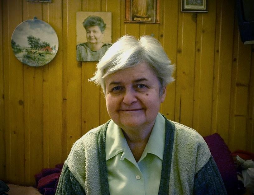 Zza pleców pani Marty spogląda z portretu jej siostra, Teresa /Justyna  Tomaszewska /INTERIA.PL